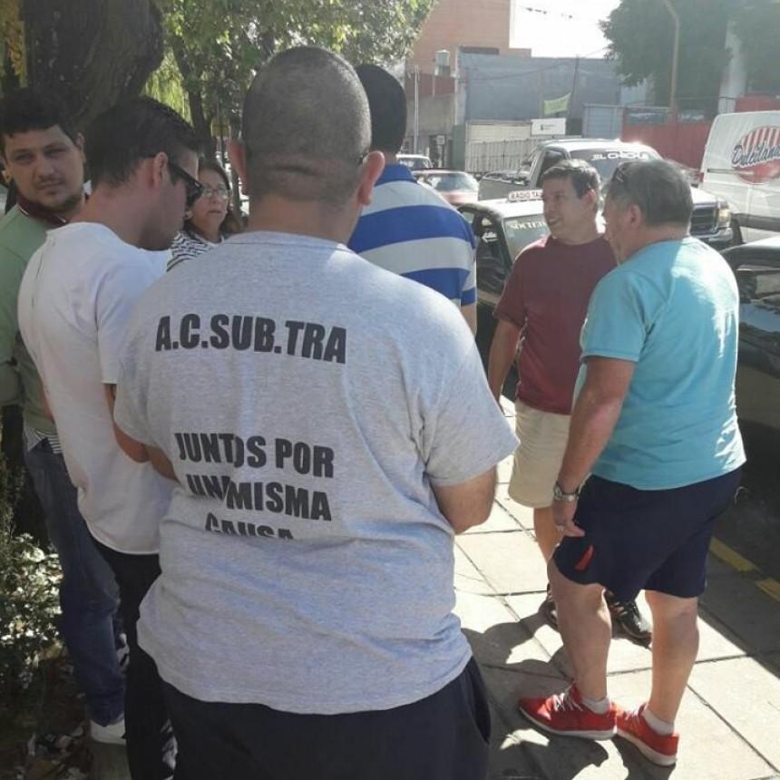 Taxistas y remiseros entregaron un petitorio en el ministerio de Seguirdad