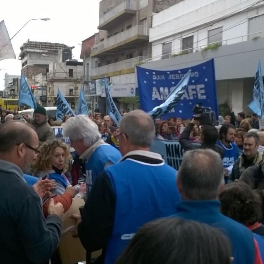 Los docentes realizan una jornada provincial de protesta