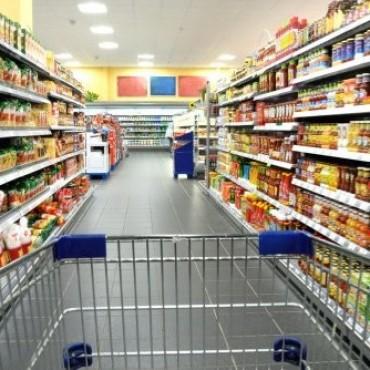 La caída de las ventas en súper y shoppings se profundizó en febrero