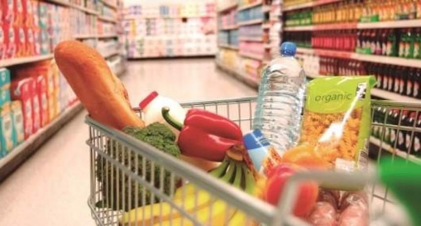 El consumo masivo retrocedió más de cinco por ciento en dos años