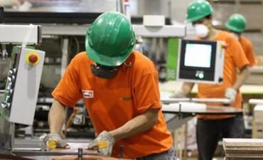 La producción de pymes industriales retrocedió cerca de cuatro por ciento en abril