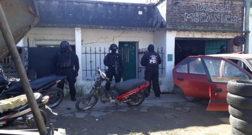 La PDI detuvo a cinco personas por presunta comercialización de estupefacientes