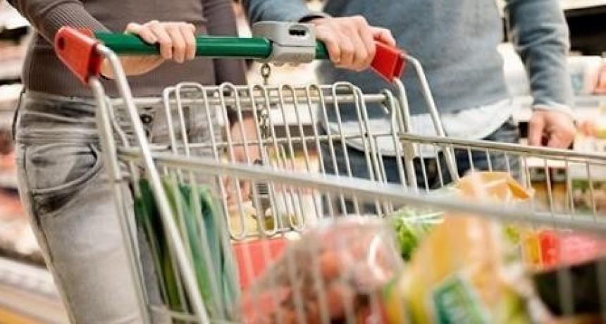 La canasta básica total aumentó más de dos por ciento en abril