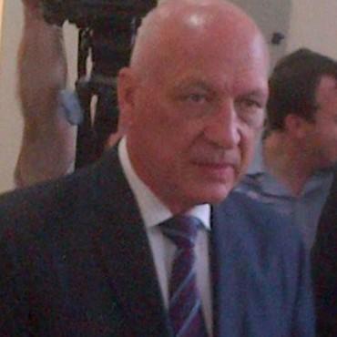 Antonio Bonfatti asume como presidente del Partido Socialista