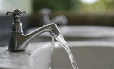 Legisladores opositores y Defensoría del Pueblo cuestionaron el nuevo aumento del agua
