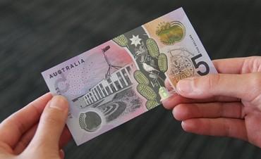 El Banco Central de Uruguay pondrá en circulación billetes resistentes al agua
