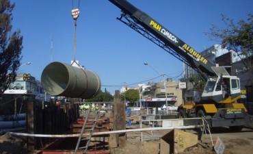 ASSA comenzó a trabajar en el arreglo final del socavón de Urquiza y Boulevard