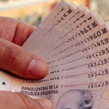 Los depósitos en pesos subieron veintisiete por ciento interanual en junio