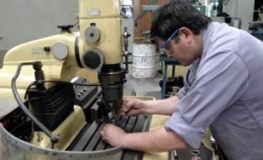 El empleo registrado creció un punto y medio interanual en mayo