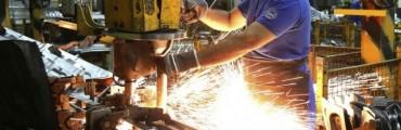 El empleo tuvo una leve suba en la industria local