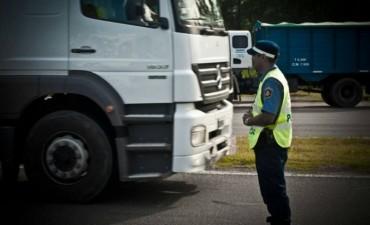 Tránsito restringido para camiones en rutas nacionales por el fin de semana largo