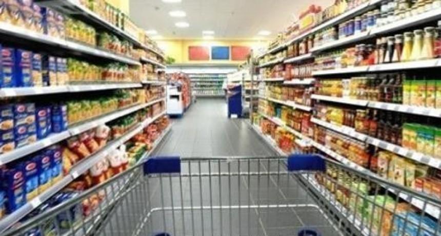 Sondeos privados avisoraban inflación de cuatro por ciento para agosto