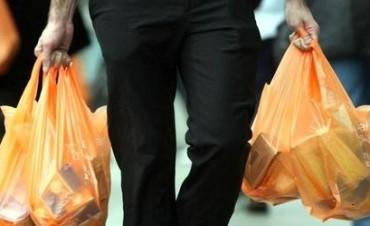 Especialistas santafesinos trabajan alternativas para la reutilización de las bolsas plásticas