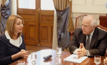 Miguel Lifschitz y Alejandra Gils Carbó firmaron un acuerdo para crear una delegación local de la Procuraduría