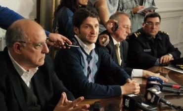 Maximiliano Pullaro encabezó una reunión para coordinar un plan de seguridad por el clásico rosarino