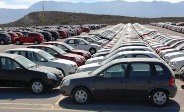 La fabricación de automóviles subió más de diez por ciento interanual el mes pasado