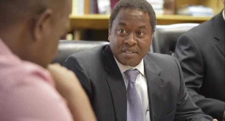 Un jamaiquino dirigirá la oficina del FMI en nuestro país
