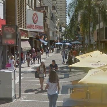 Los negocios de la peatonal estarán abiertos en horario corrido el 24 y el 31 de diciembre