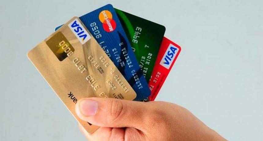 Treinta y siete por ciento de ventas en supermercados se realizó con tarjetas de crédito en noviembre