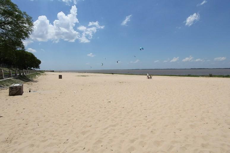 Guardavidas solicitan medidas porque la capacidad de las playas está