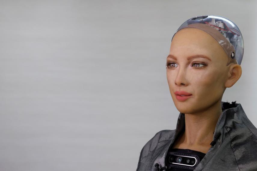 Sophia: el robot que ayudará a combatir al coronavirus