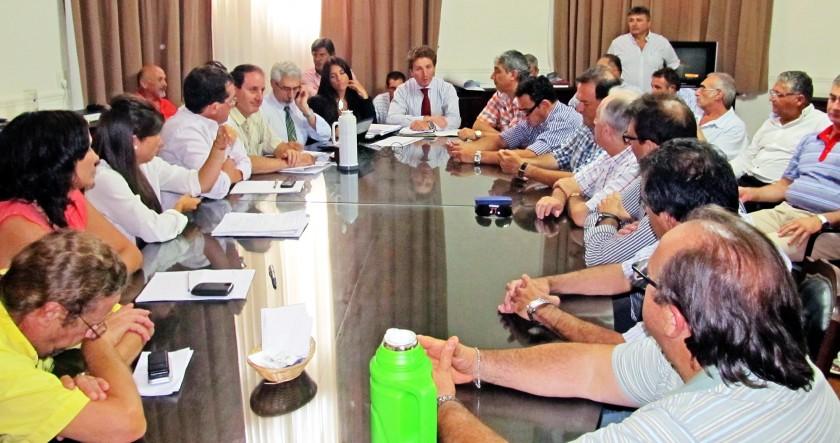 Municipales inician su negociación paritaria