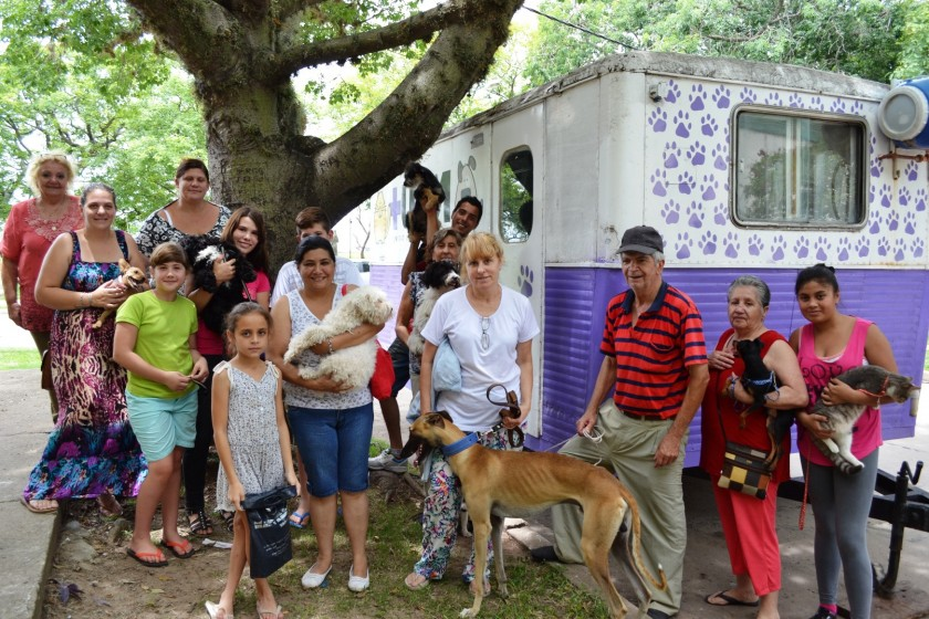 Castración de mascotas en vecinal 12 de septiembre de Santo Tomé