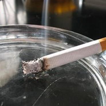 Tres de cada diez empleados públicos se exponen al humo del cigarrillo