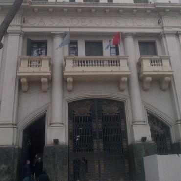 El gobernador decretó la prórroga por seis meses del período de transición del sistema de Justicia penal