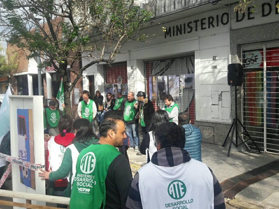 Jornada provincial de protesta de trabajadores de Niñez