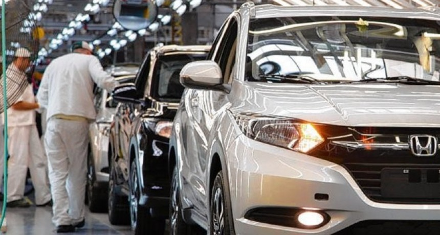 La producción automotriz retrocedió 32 por ciento interanual en enero