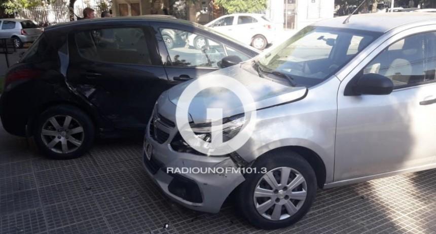 Esta mañana hubo un choque de autos en Candido Pujato y 1ro de Mayo