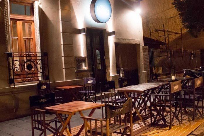 Bares y restaurantes extienden una hora su horario de apertura