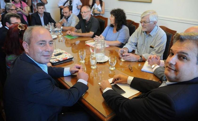 Gremios estatales rechazan la oferta salarial del Gobierno santafesino