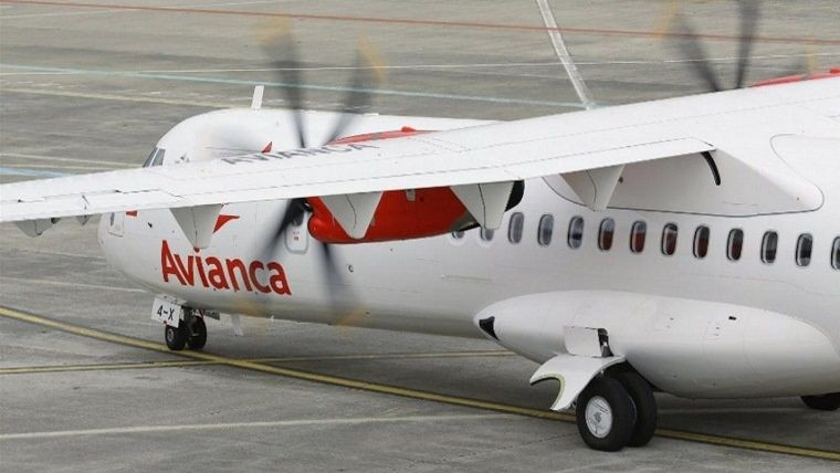 Mauricio Macri suspendió la entrega de rutas aéreas a Avianca