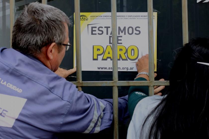 Los trabajadores municipales realizan un paro por 24 horas
