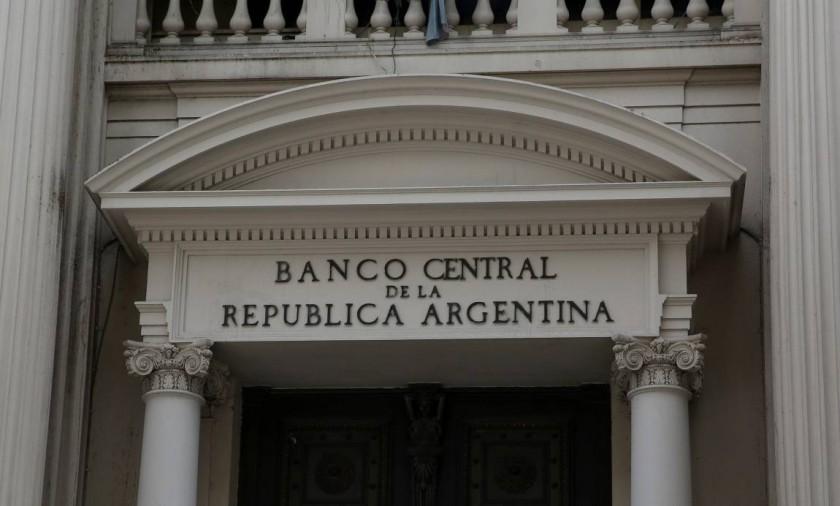 Las comisiones bancarias subirán hasta noventa por ciento desde mayo