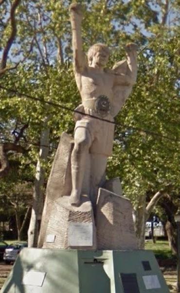 La Subsecretaría de Políticas de Género iniciaría la discusión para remover el Monumento a Monzón
