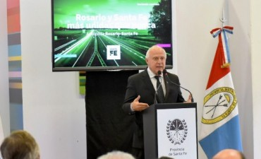 El gobernador anunció el plan de inversión para remodelar la Autopista Santa Fe - Rosario