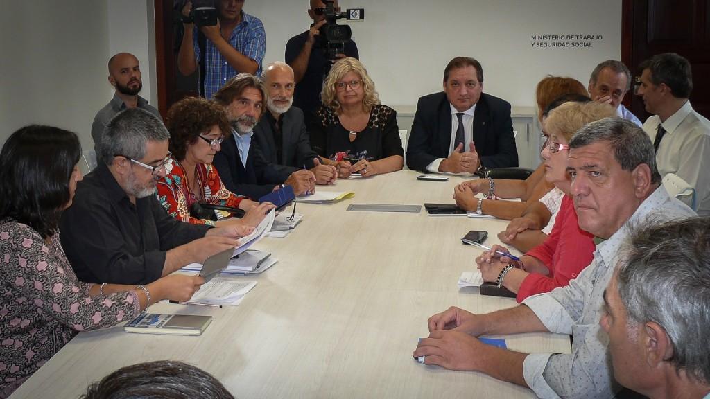 Mañana continúa la negociación paritaria entre el Gobierno provincial y los gremios