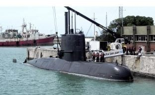 Familiares de la tripulación del ARA San Juan denunciarán penalmente al ministro Aguad
