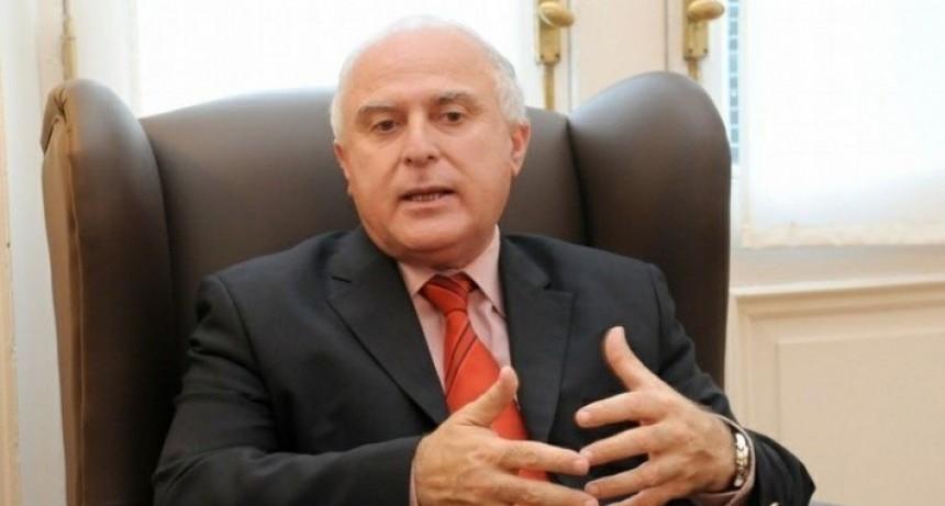 El gobernador dijo que se puede mejorar los tramos de la oferta salarial
