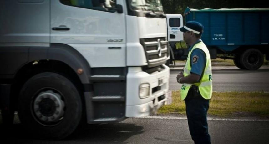 Tránsito restringido para camiones en rutas nacionales durante el fin de semana largo