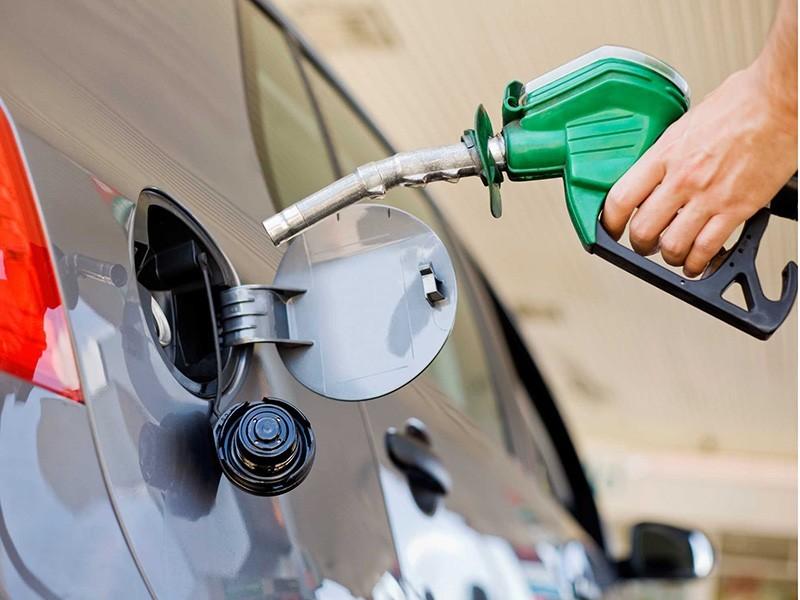 Los combustibles subirán de precio desde el lunes