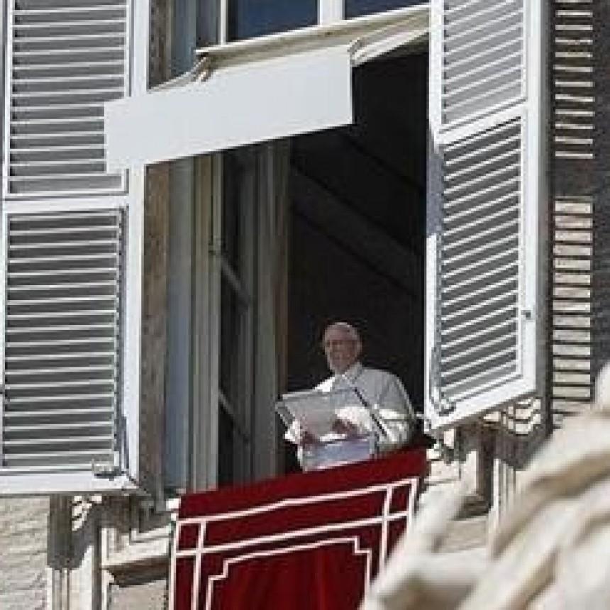 El Papa animó a Macri a seguir trabajando por el país