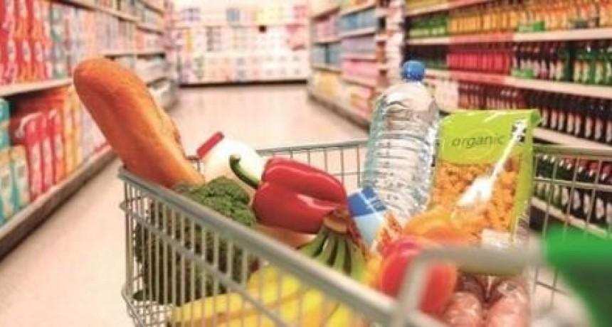 El índice de confianza del consumidor cae trece por ciento en abril