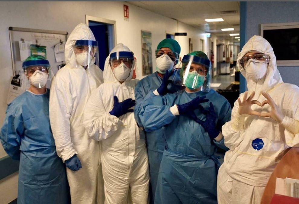 Enfermeros en acción contra la pandemia de Covid 19