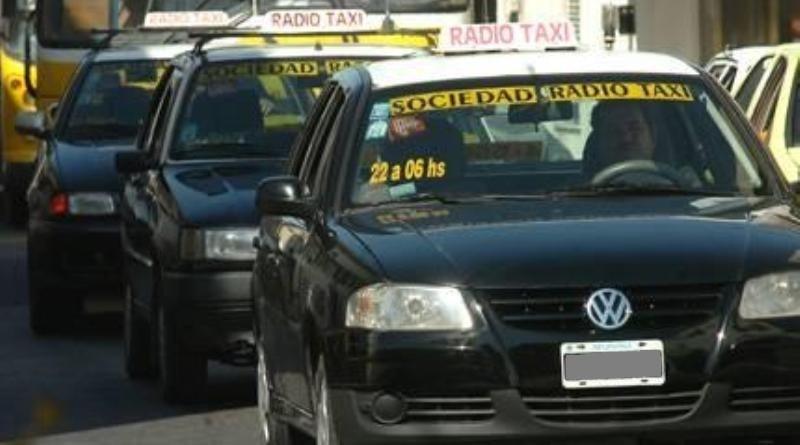 Los taxis tienen entre 4 y 5 viajes en 12 horas