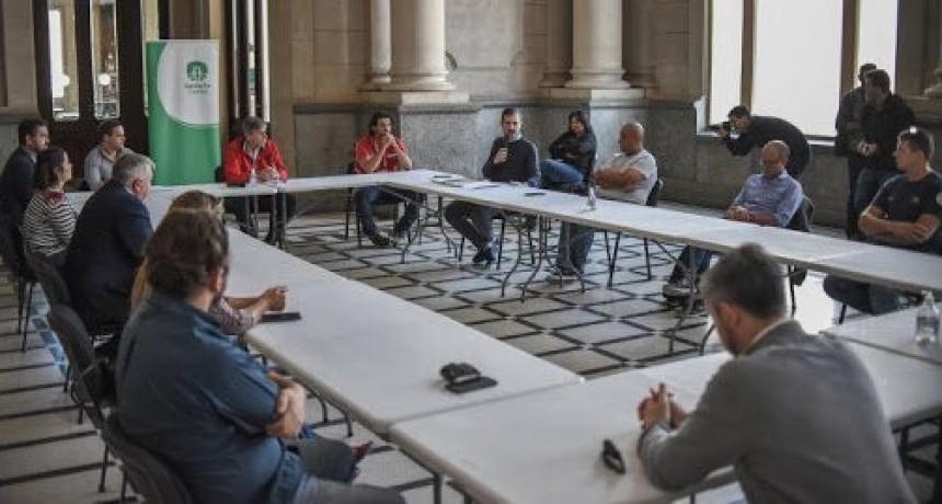 Programa de Voluntariado: ya se puede consultar al 0800 de la Municipalidad para asistir a adultos mayores en la cuarentena