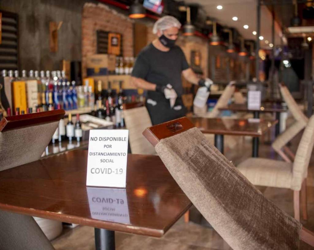 Bares y Restaurantes notaron disminución de comensales el último fin de semana tras las restricciones